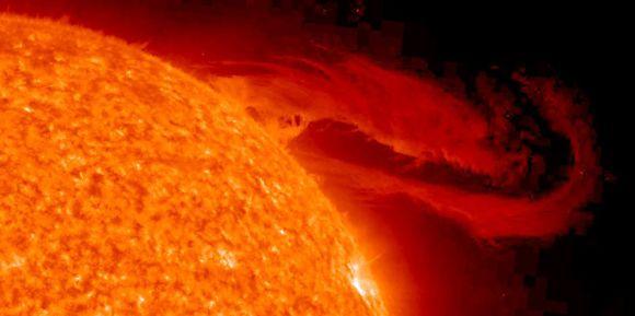 Une éruption solaire risque de brouiller les communications terrestres