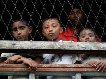 Des enfants rohingyas enfermés dans un camp - Birmanie
