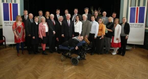 Groupe des 25 islandais ayant élaboré la nouvelle Constitution