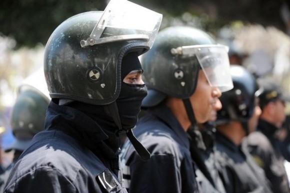 Tunisie: La Police manifestent à la Kasbah