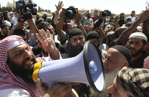 Egypte : Manifestation salafiste devant l'ambassade de Tunisie à Zamalek