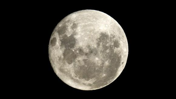 La NASA filme une puissante explosion de météorite sur la Lune