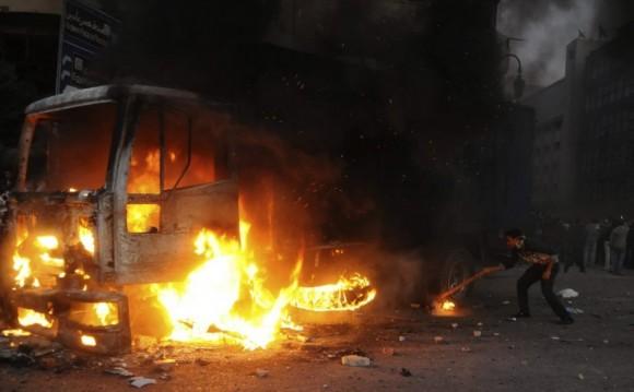 428393-manifestations-degenere-violence-entre-citoyens