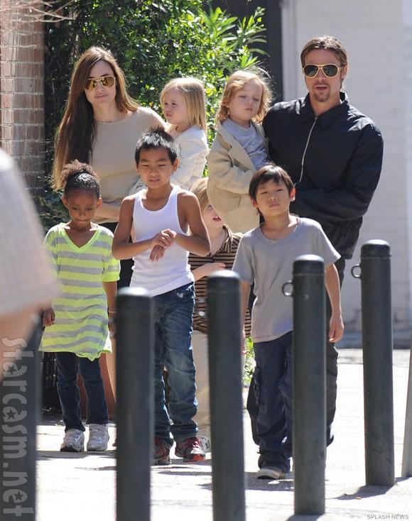 Angelina_Jolie_Brad_Pitt_family1
