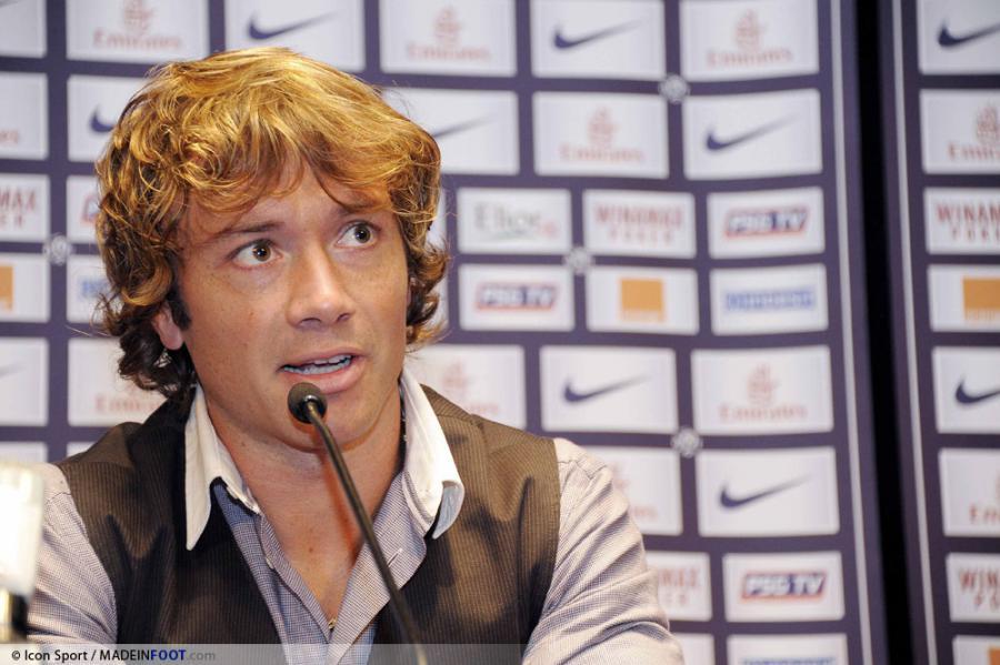 PSG : Diego Lugano attend un signe
