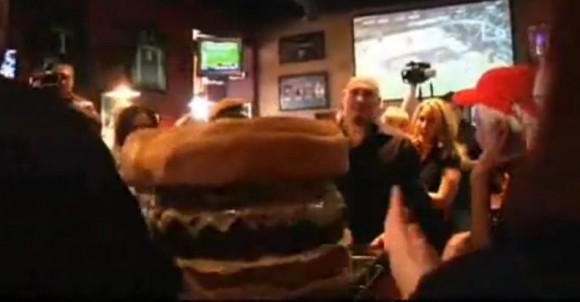 Etat-Unis : Le plus gros hamburger du monde