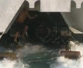 Insolite : un clandestin algérien caché entre les hélices d'un ferry ?