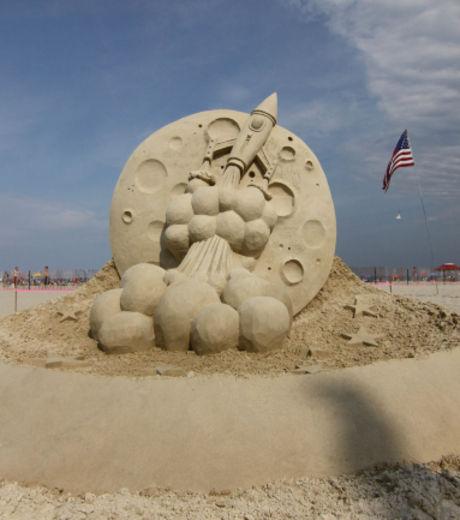 une-sculpture-de-sable-tres-patriotique_127879_w460