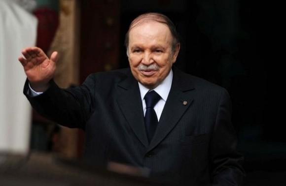 Le président algérien Abdelaziz Bouteflika, hospitalisé à Paris depuis fin avril, a décollé mardi midi pour l'Algérie depuis l'aéroport du Bourget, a-t-on appris de source aéroportuaire - Farouk Batiche (AFP/Archives)