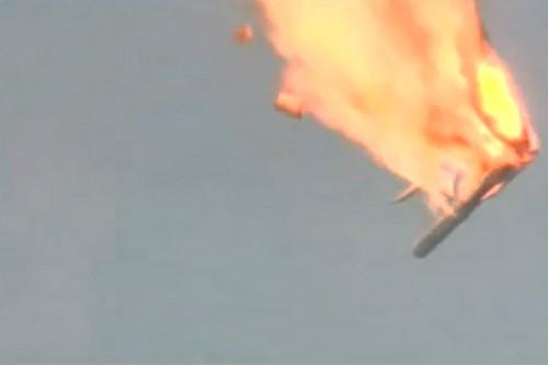 -Il-semble-que-ce-lancement-va-se-solder-par-une-catastrophe-a-comment-le-pr-sentateur-de-Rossia-24-juste-avant-que-la-fus-e-n-explose-en-laissant-de-grandes-flammes-rouges-monter-vers-le-ciel-
