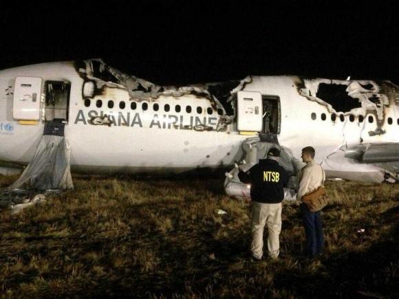 Enquêteurs de la NTSB sur le crash Asiana