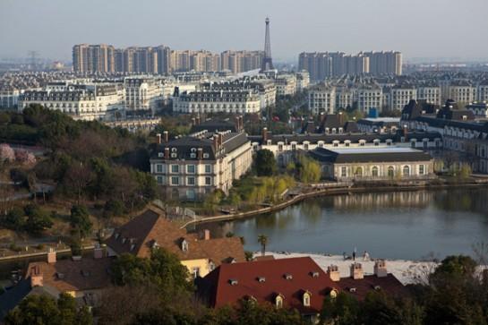 fake-paris-china-01-545x363