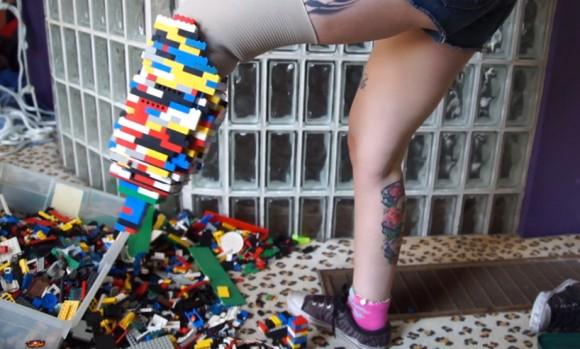 lego-brick-prosthetic-leg-designboom01