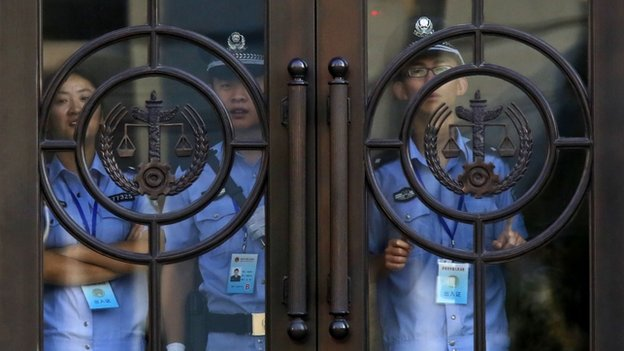La sécurité a été renforcée à la cour de Jinan où le procès doit se tenir