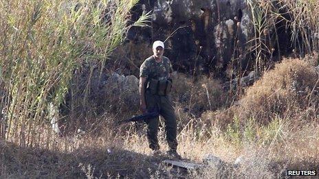 Le FPLP-CG dit roquettes israéliens ont atterri à l'une de ses bases près de Naameh.