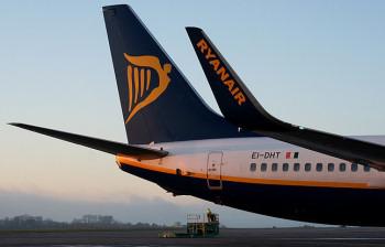 EI-DHT Ryanair at Cork