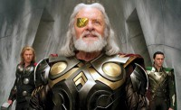 Thor (Chris Hemsworth) - Odin (Anthony Hopkins) - Loki (Tom Hiddleston) : Classés par l'ordre de l'image