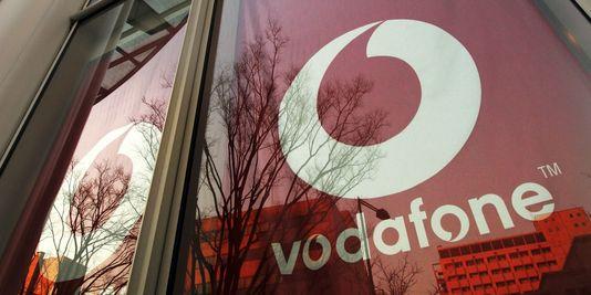 Cette cession à Verizon pourrait rapporter plus de 100 milliards de dollars au groupe britannique.   REUTERS/TOSHIYUKI AIZAWA