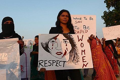 Des femmes manifestants contre les agressions séxuelles qui se répètent en Inde