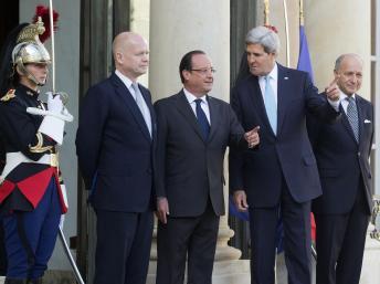 François Hollande avec William Hague, John Kerry, Laurent Fabius, le 16 septembre 2013.