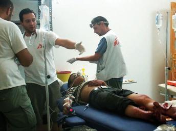 Patients syrien à l'hôpital MSF en Syrie