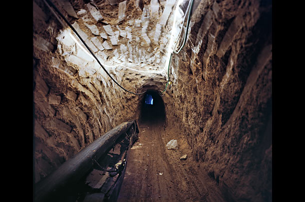 Un tunnel de contrebande.
