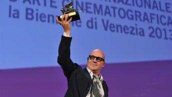 """""""Sacro GRA"""" de Gianfranco Rosi a remporté le premier Lion d'Or."""