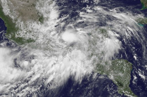La tempête tropicale Ingrid, montré dans une NOAA GOES image satellitaire est sorti le 13 Septembre 2013, formé au large de la côte orientale du Mexique.