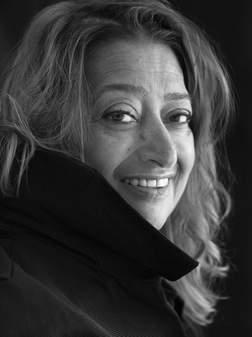 Zaha Hadid est une architecte d'origine irakienne et l'une des meilleurs architectes connus de Grande-Bretagne