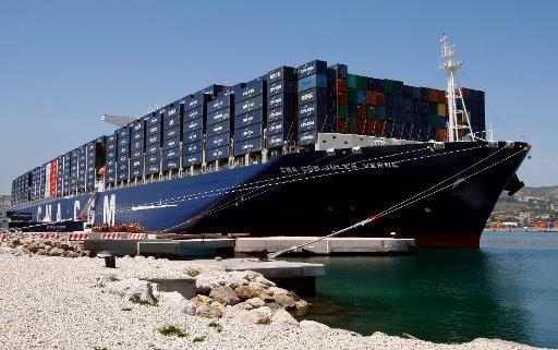Container ship Jules Verne dans le port de Marseille, sud de la France, le 4 Juin 2013