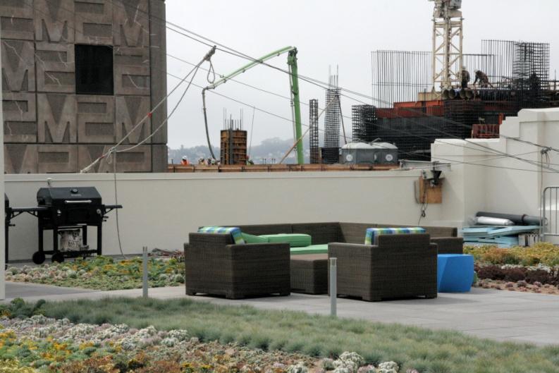 La société est en négociation pour louer 320,000 mètres carrés à côté de son siège.
