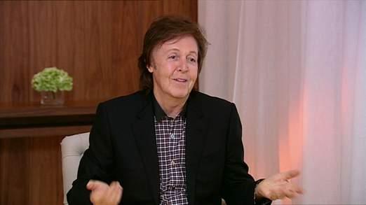 Sir Paul McCartney dit qu'il n'y a rien d'offensant sur la twerking de Miley Cyrus et révèle qu'il est un fan de One Direction