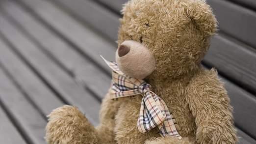 Un ours en peluche contenait une surprise dangereux