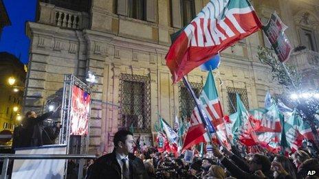 Des centaines de supporters se sont déplacés pour le discours de Berlusconi