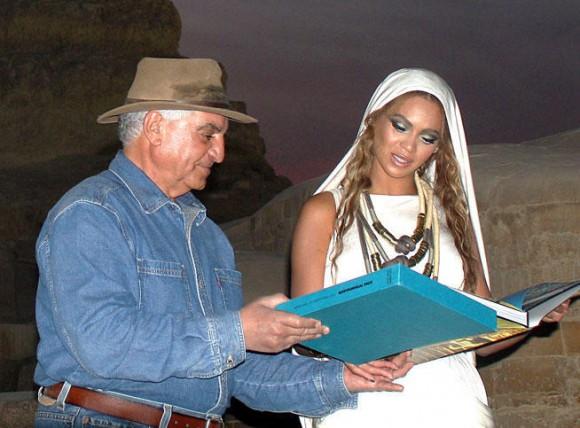 Beyoncé et Zahi Hawass