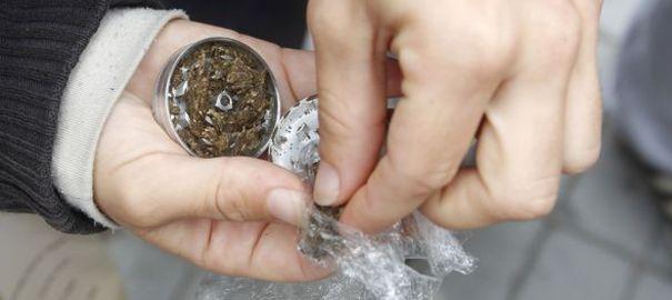 La mère de l'enfant avait laissée de la résine de cannabis près de lui