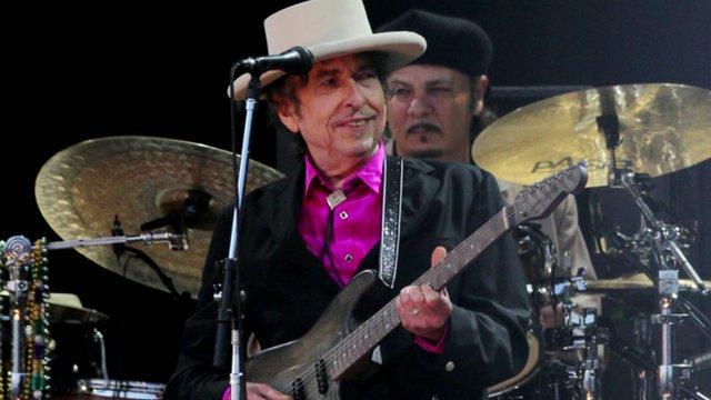 Un mouvement juridique français contre Bob Dylan suite à ces propos