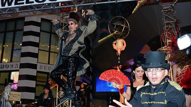 Des interprètations se sont déroulées pour accueillir la star de la pop au Planet Hollywood Resort & Casino