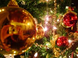 un homme assassiné à cause de décoration de Noël