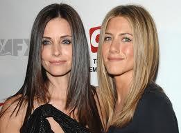 Jennifer conseille son amie Courtney pour garder la forme