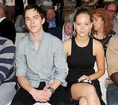 Nicholas Hoult et Jennifer Lawrence: de nouveau ensemble