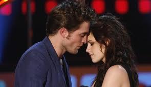 la relation entre Kristen Stewart et Robert Pattinson fait face à des rumeurs