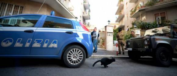 Des policiers près de l'éxplosion à Rome