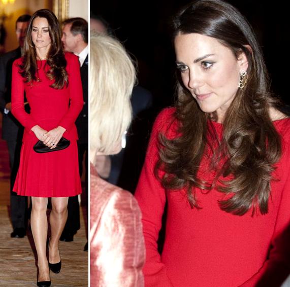 Kate Middleton reporte sa robe rouge