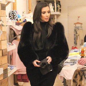 Kim fait du shopping pour North