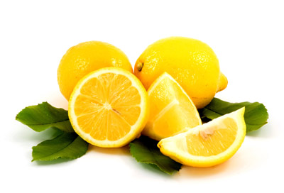le jus de citron est efficace dans la lutte contre l'aphte