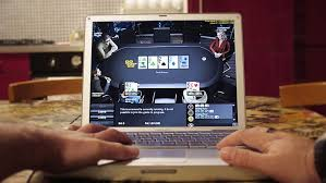 les joueurs de poker en ligne dépensent plus que les autres joueurs en ligne