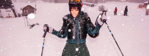 rihanna-instagram-ski-aspen-colorado-moncler (1)