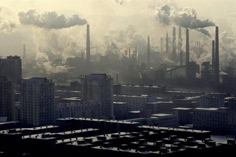 La pollution atmosphérique tue sept millions de personnes par an, selon l'OMS.