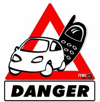 Danger du téléphone en conduisant